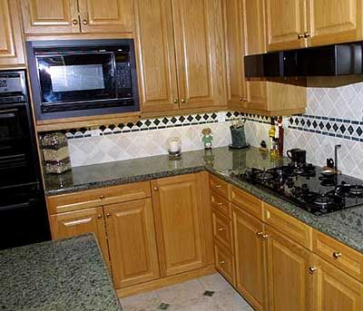 Kitchen Marble Counter top with Kitchen Wooden Cabinet