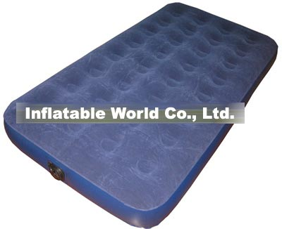 Air bed with built-in electric pump